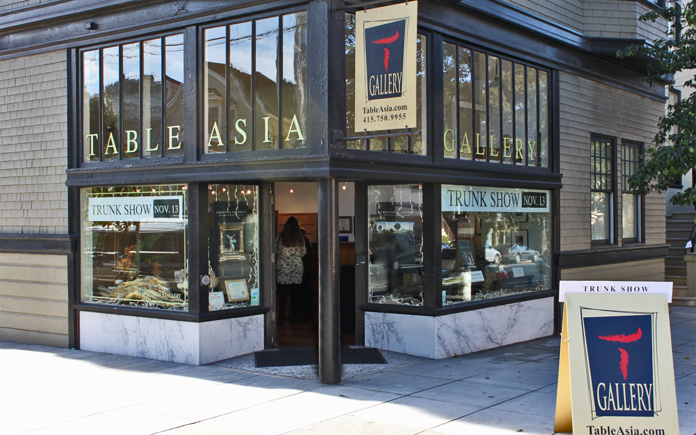 Table Asia Gallery Trunk Show